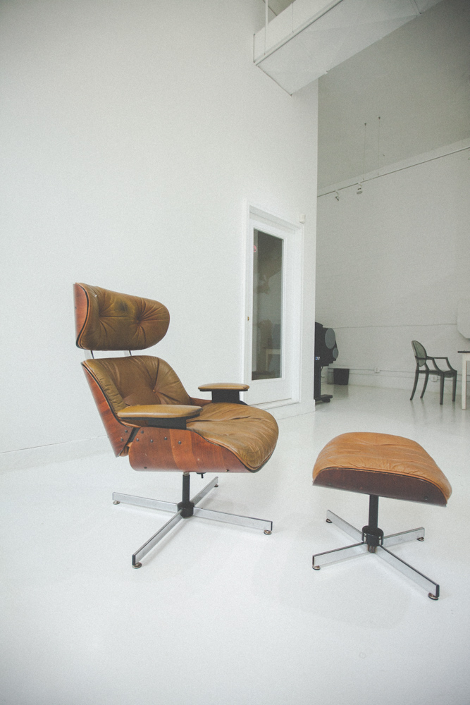 003eames-chair-before